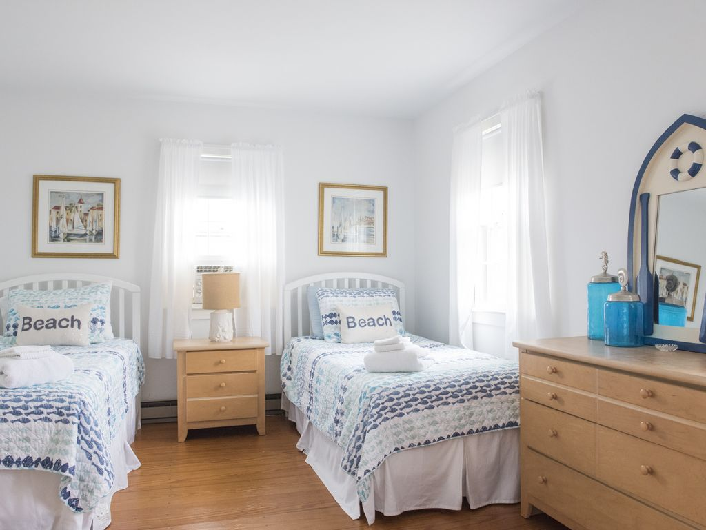 Beautiful Nantucket Cottage On Main... HomeAway