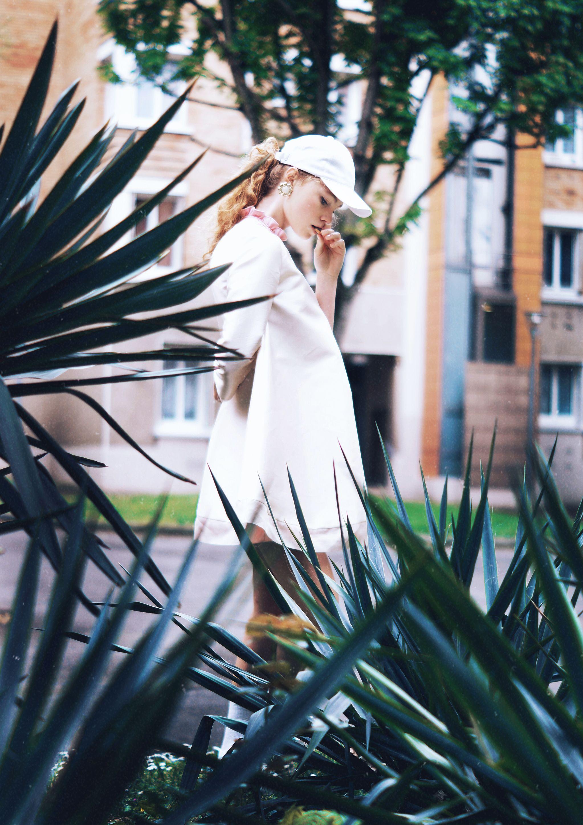 Phtographe: Maïwenn Nicolas  Modèle: Eva Bazin  Stylisme: Léo Rouault  Assistante: Clémence Chatin  Editorial pour le Magazine de Lucy  http://lucysmagazine.com/portfolio/bovarysta/