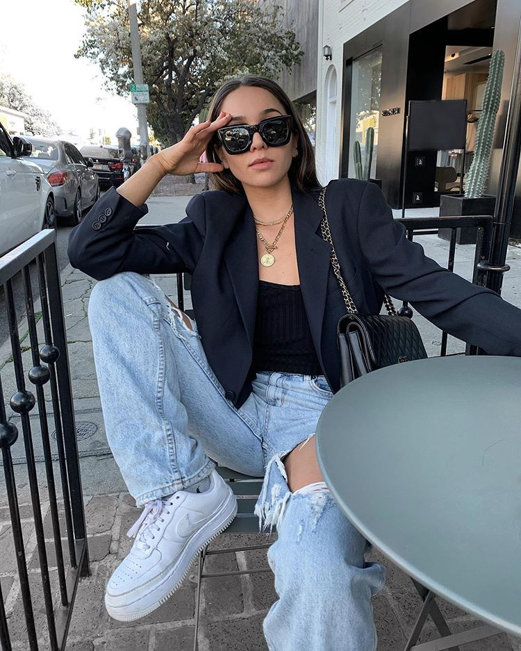 If You Want To Look Like A Baddie On A Budget This Is The Outfit For You First Start Off With A Tank Top And Some Fashion Inspo Outfits Fashion Denim