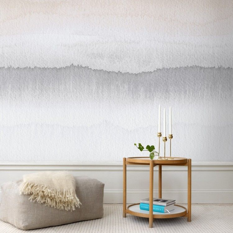 Wandgestaltung im Wohnzimmer tapete-farbverlauf-zweifarbig-grau