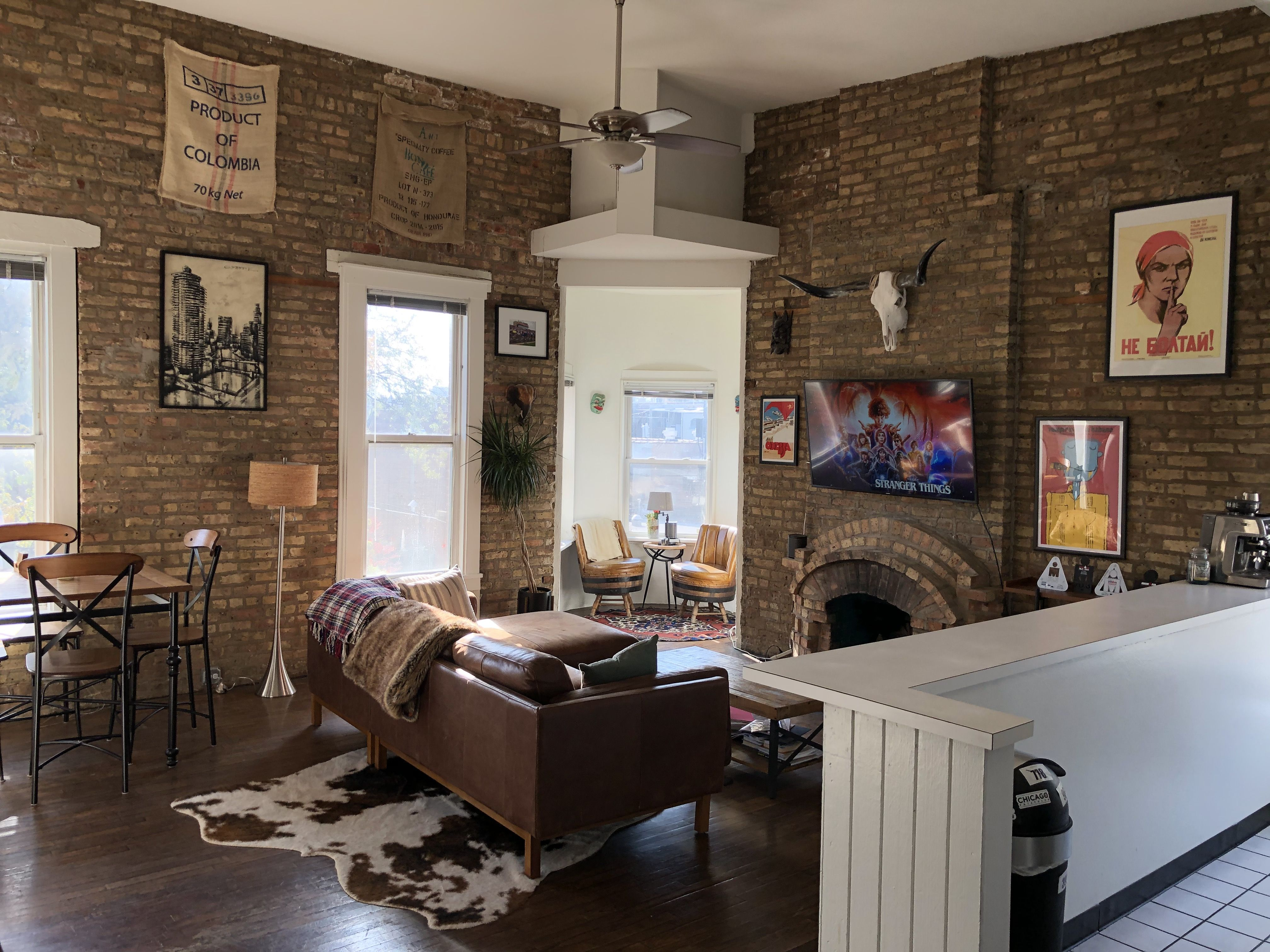 Eclectic Style In Vintage Chicago Apartment Vintage Apartment Chicago Apartment One Bedroom Apartment