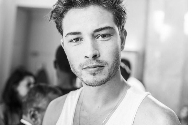 Francisco Lachowski by Sara Cimino | The Hunger Magazine online - Backstage Men Fashion Week SS16