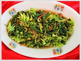 Indonesian Medan Food Tumis Bunga Pepaya Daun Pakis Makanan Dan Minuman Pepaya Tumis
