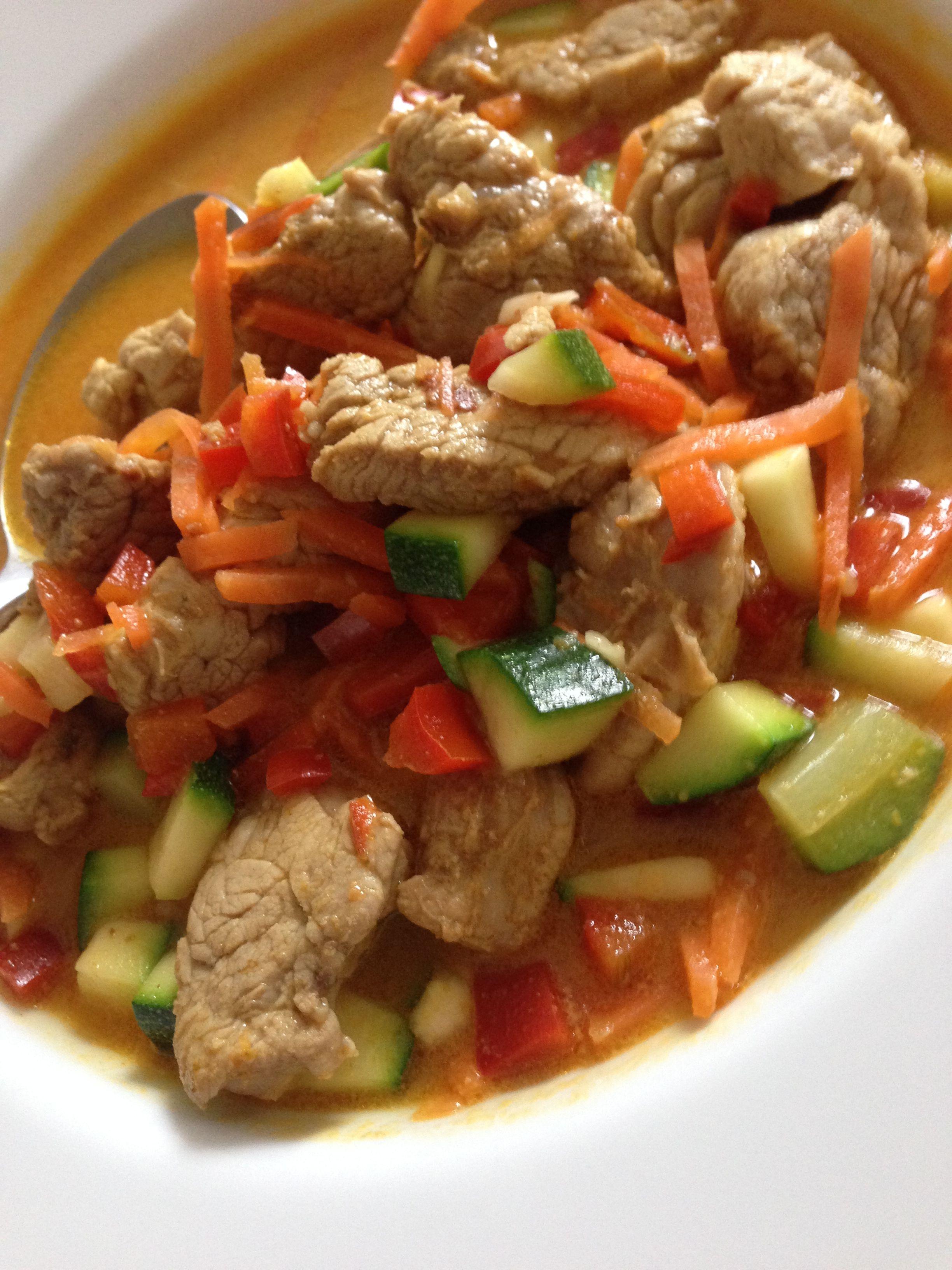 wok kochen mit wenig kohlenhydrate low carb filet de pork sayur sayuran low carb rezepte. Black Bedroom Furniture Sets. Home Design Ideas