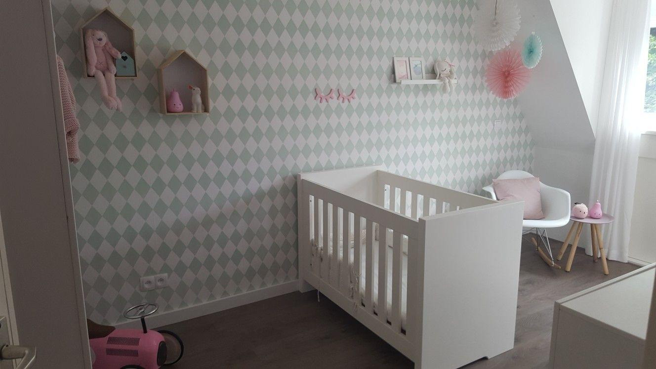 Behang Babykamer Romantisch : Behang meisjes babykamer: ideeën babykamer voor meisjes. behang