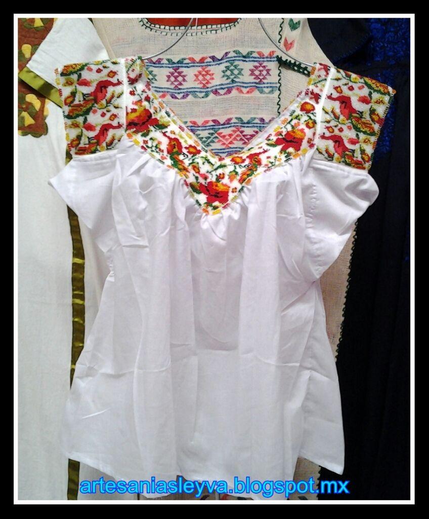 Blusa de chaquira, de Pinotepa Nacional, Costa de Oaxaca, bordada a ...