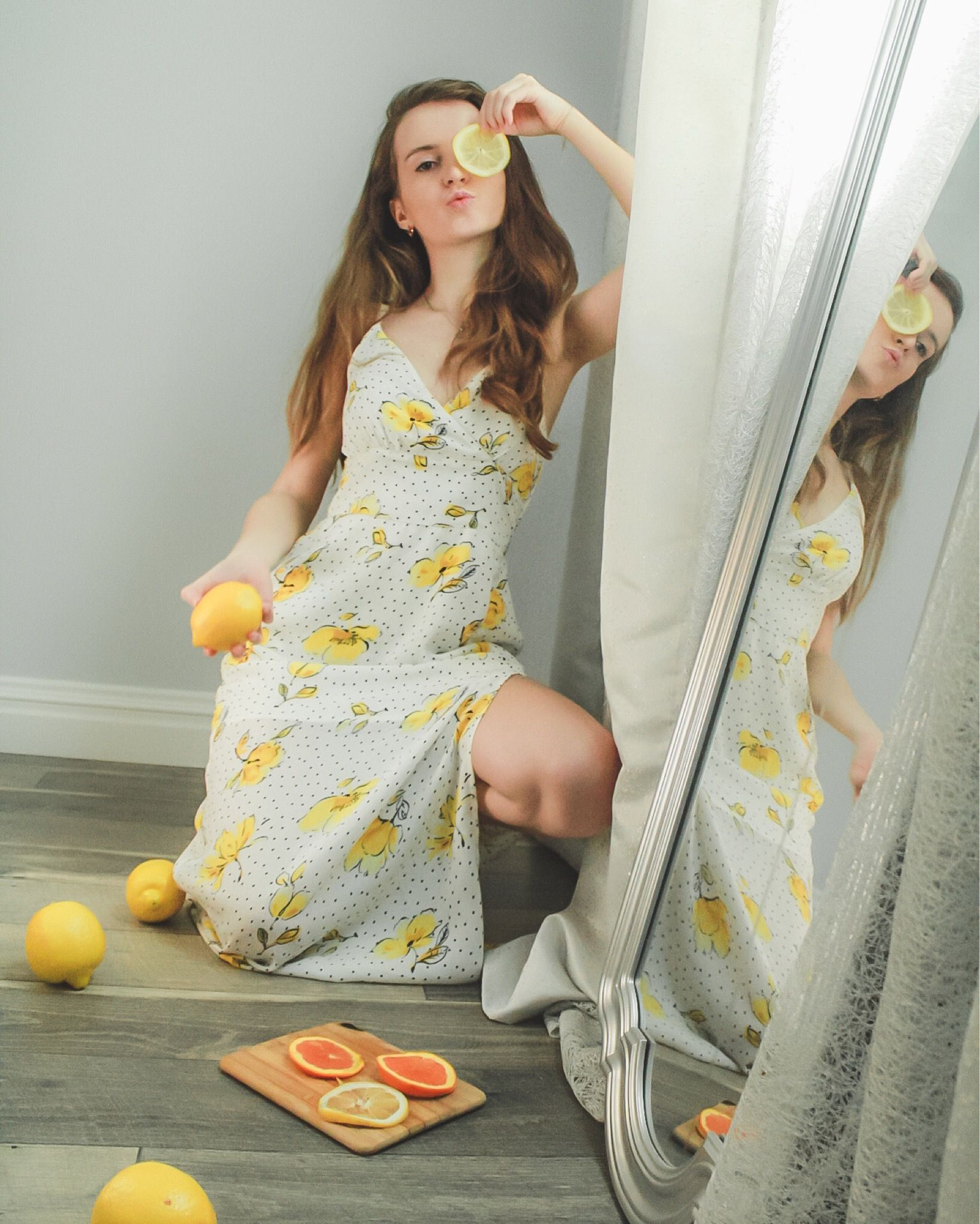 Home Photoshoot In 2020 Photoshoot Outfits Photoshoot Indoor Photography