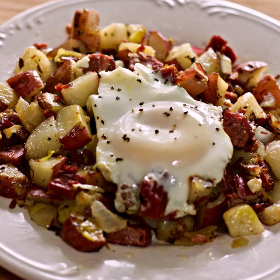 Main Ingredient Recipes: Corned Beef Hash And Eggs Recipe Has Just Five Main