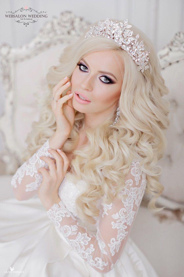 hair down wedding hairstyle for romantic brides #weddinghair #bridalhairstyle #hairdown #eleganthairstyle #weddinghairstyles #bridehair