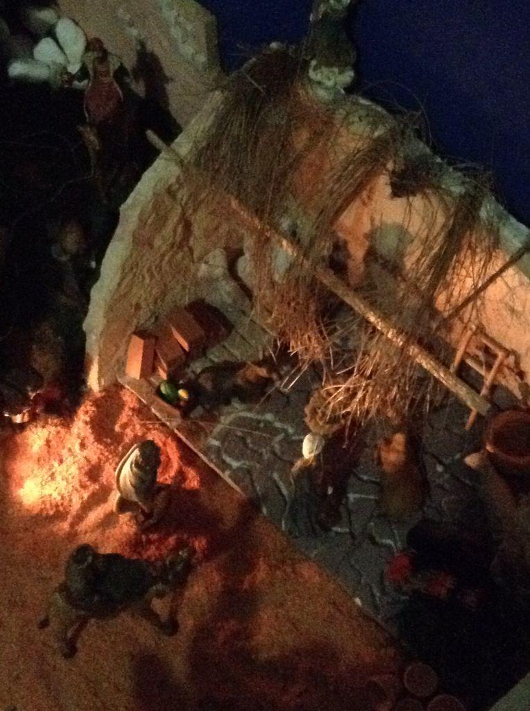 Cortés Mora 2014 pesebre por la noche
