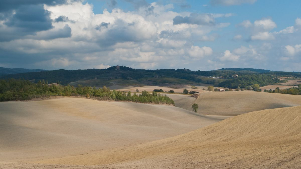 Countryside between Volterra and Siena