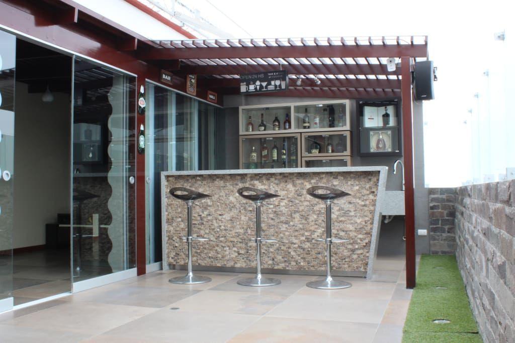 10 Ideas Para Construir Un Minibar En La Azotea De Tu Casa Homify Bar Terraza Bar Exterior Bar En Casa