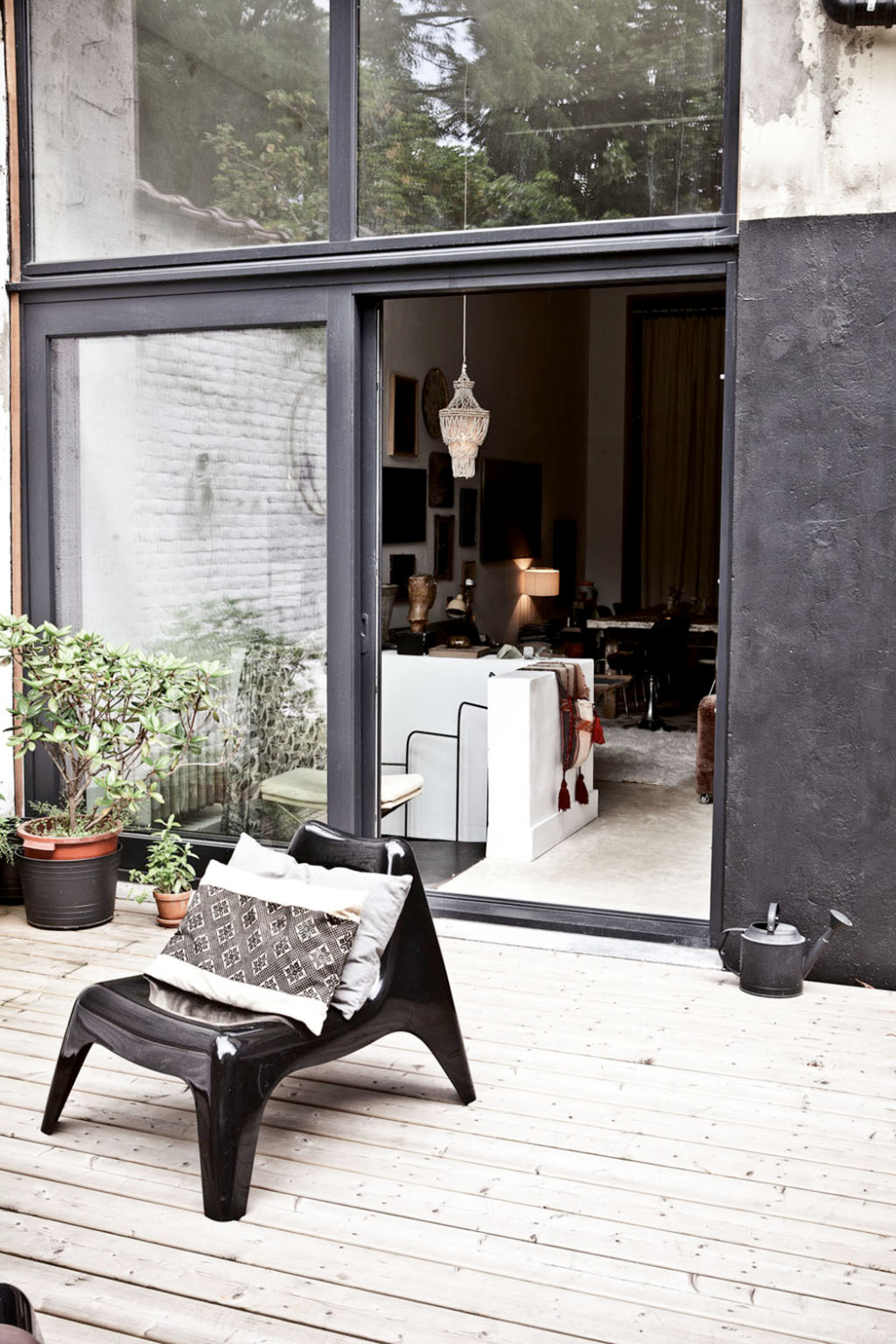 BRING THE OUTDOORS INSIDE WITH THIS INTERIOR STYLE