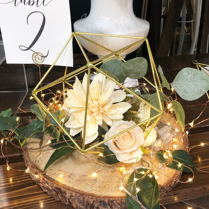 Andy Geometric Gold Centrepiece Rental Vintagebash In 2020 Gold Centerpieces Geometric Centerpiece Lighted Centerpieces