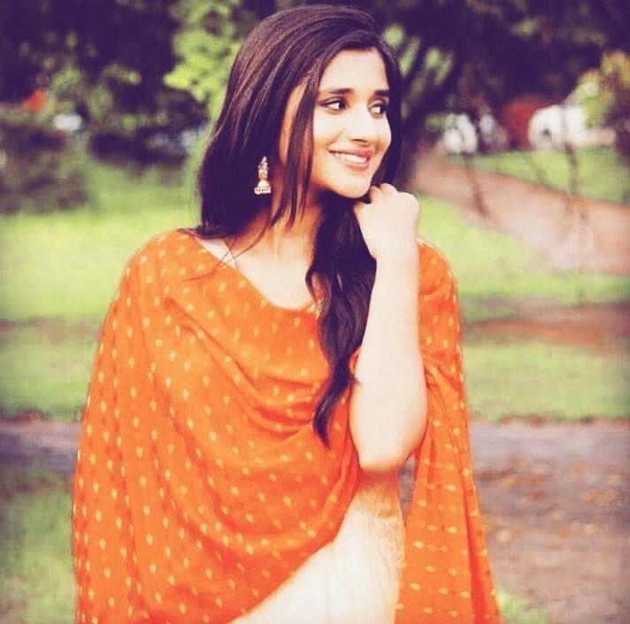 Punjabi Model Kanika Mann Beautiful Images Pictures Hd