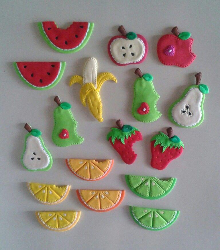 Figuras de frutas para decorar la nevera elaborados con for Figuras para decorar techos