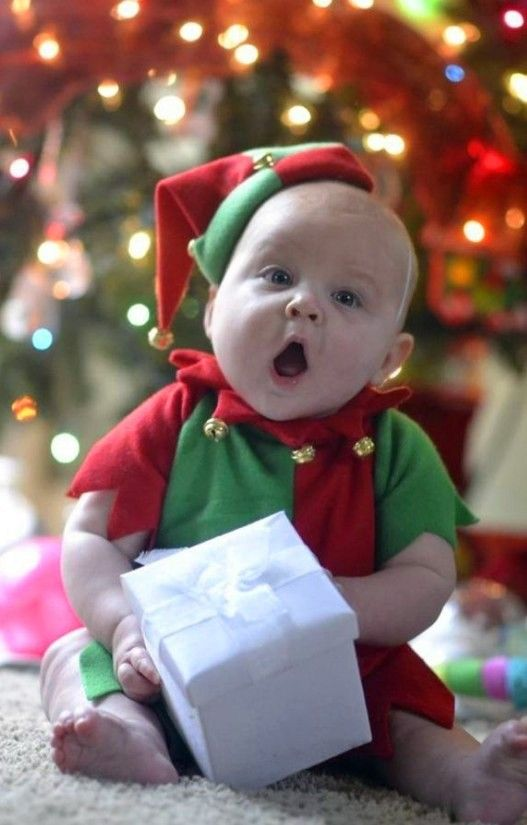 2013 Christmas kids photo, cute photo of baby holding a ...