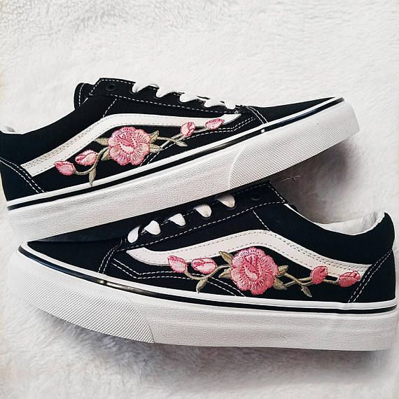 78a01a90af Rose Buds Pink Blk Unisex Custom Rose Embroidered-Patch Vans Old-Skool  Sneakers
