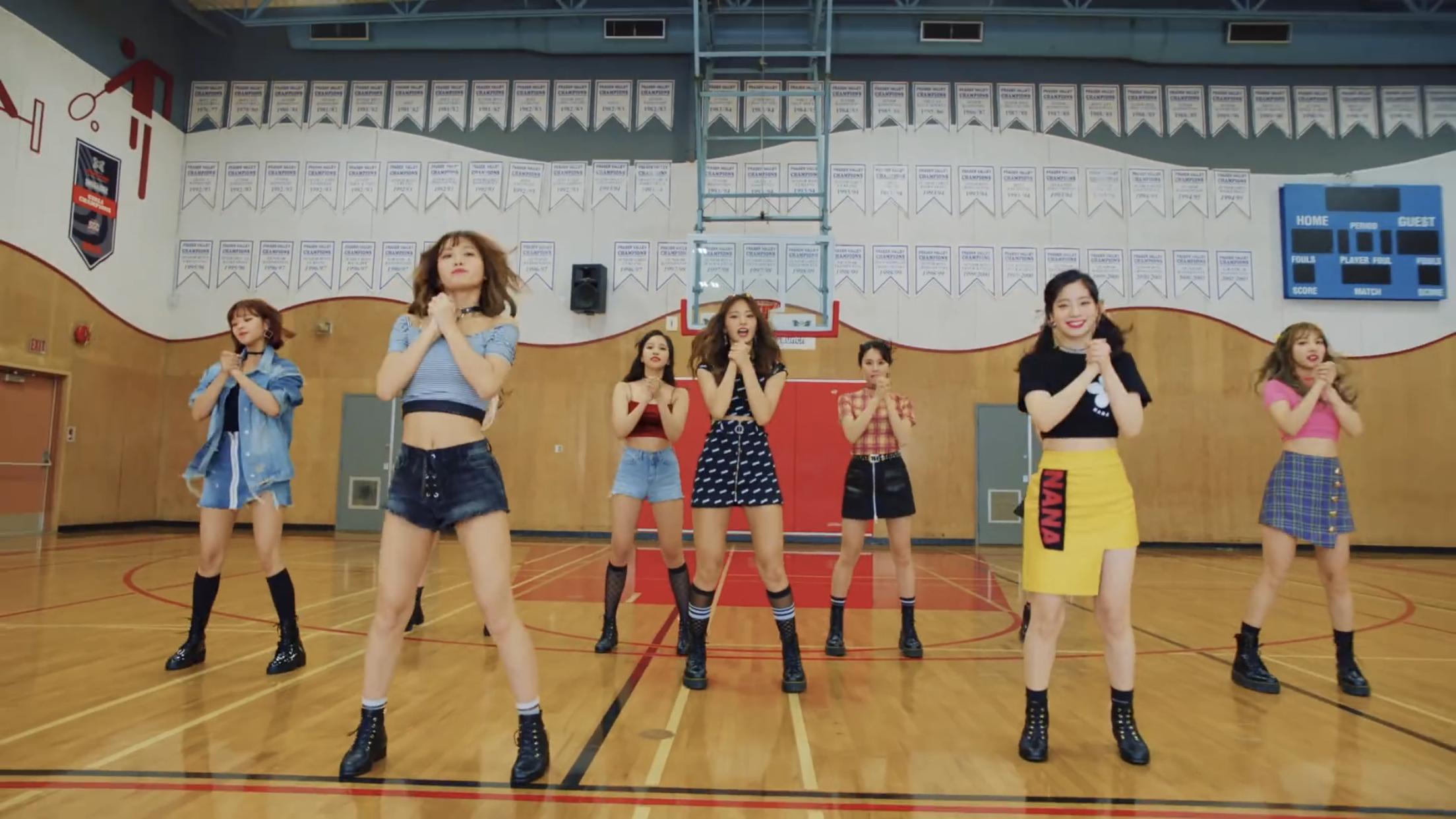 49c2a43cbb TWICE Dance Move  twice  likey  MV  Album❤ 🖤