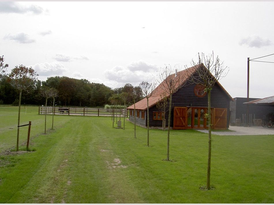 Oakwrights Country buildings - Barns gallery