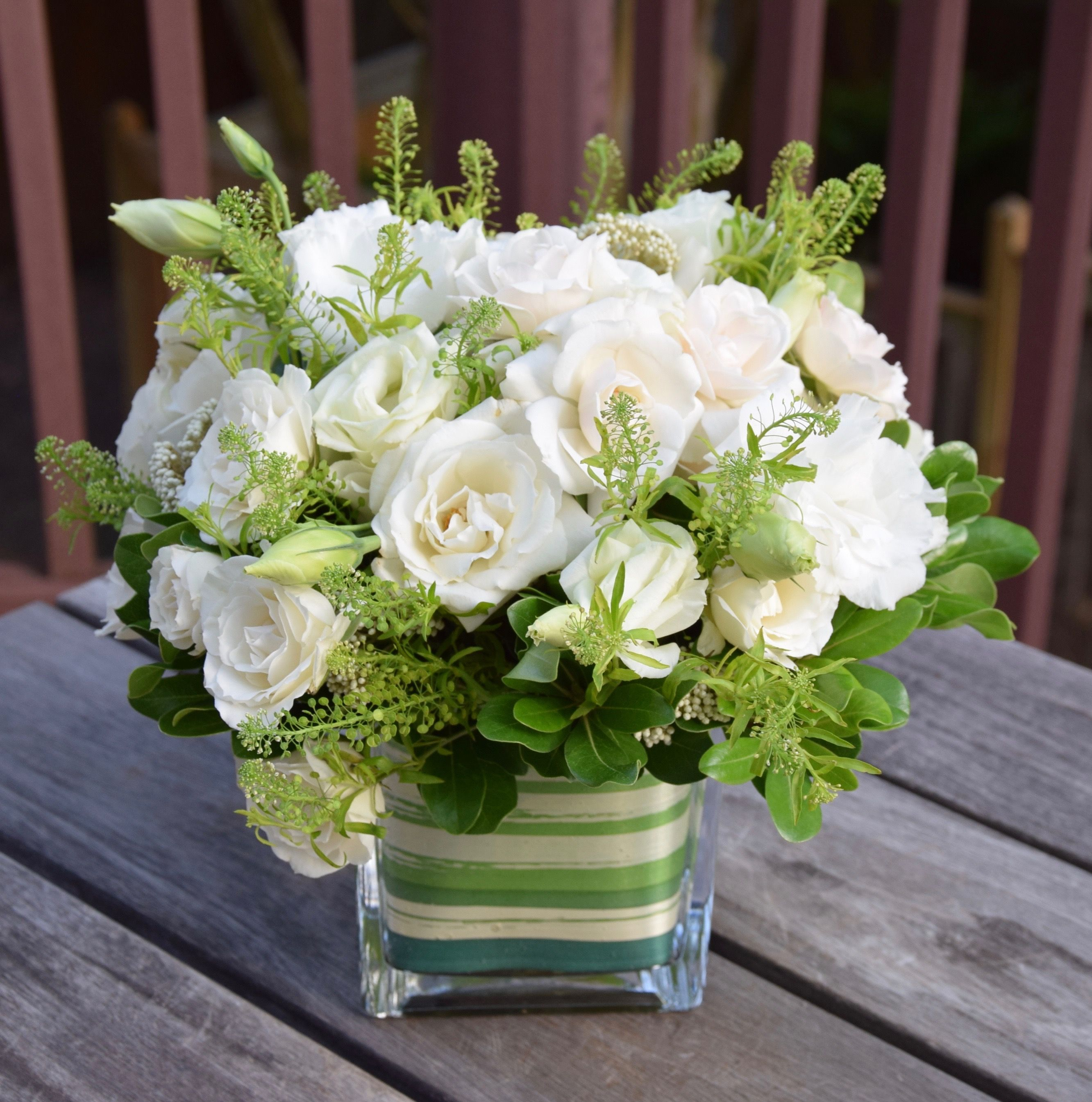 White And Green Flower Arrangement For The First Communion Celebration Small Flower Arrangements Fresh Flowers Arrangements Flower Arrangements