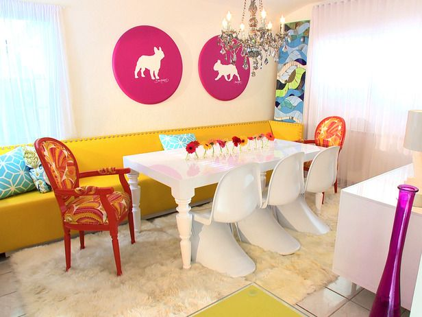 One more room designed by David Bromstad (my design hero). This time it's a dinning room. I love bright neon colors and EVERYTHING in this room is neon. Fabulous! <3