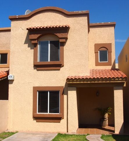 Colores para paredes exteriores casa buscar con google for Pintura para exteriores
