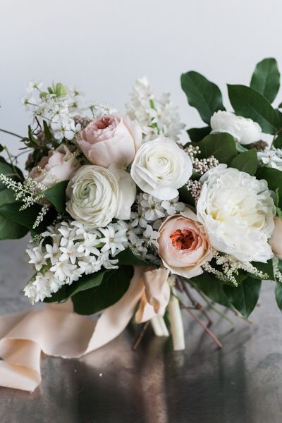 Peach Garden Rose Bouquet spring bridal bouquet | white ranunculus, david austin juliet