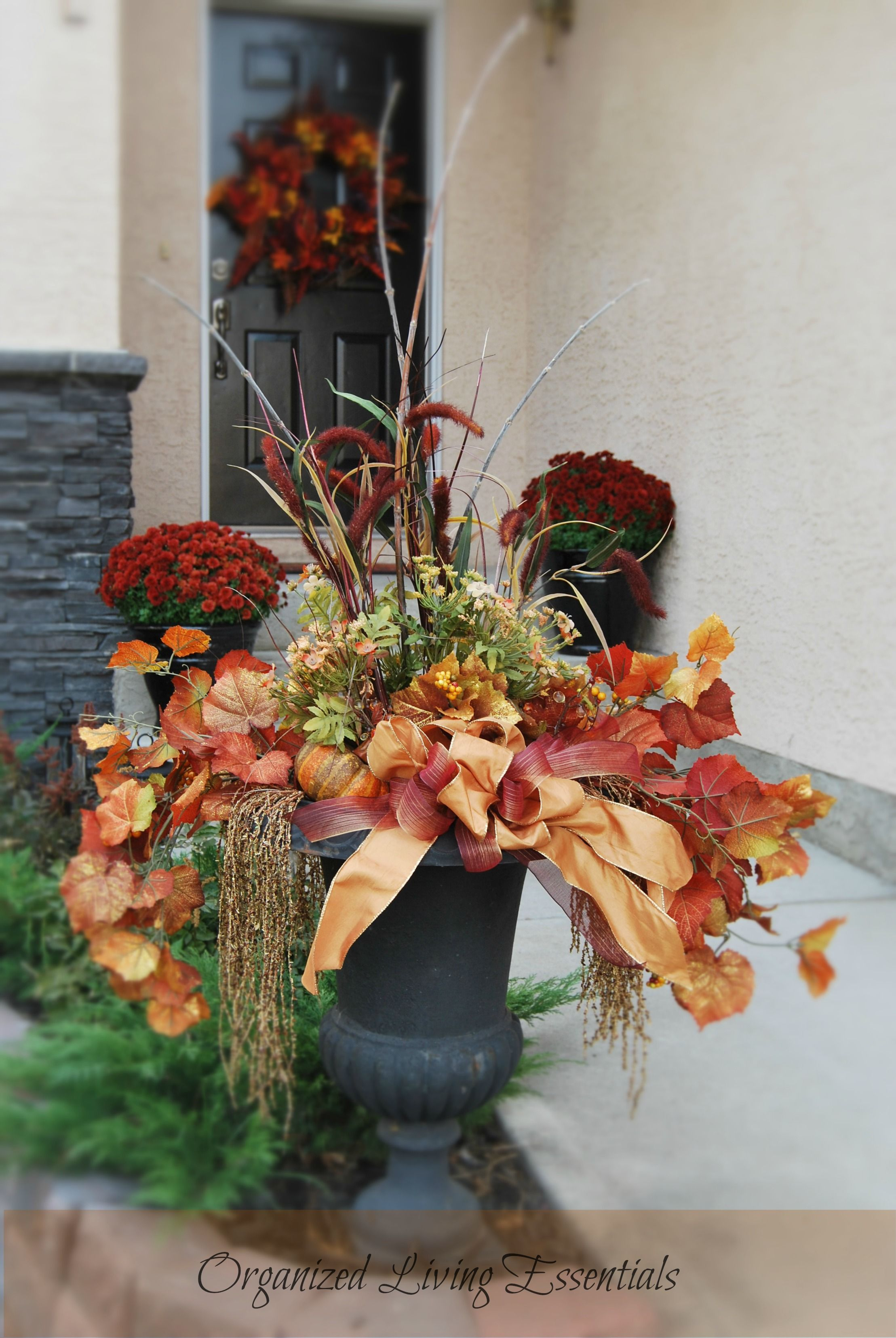 autumn door decorations   Feel free to ask me any questions about this project. I would love to ...