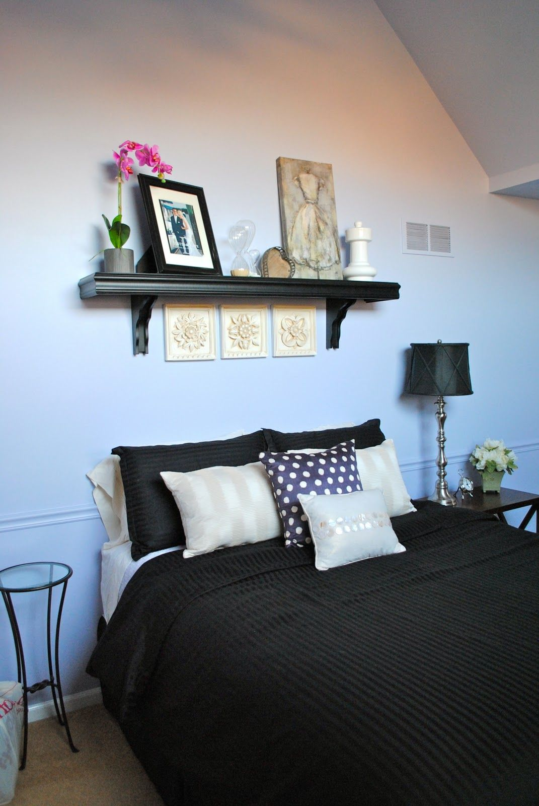 Shelf above bed instead of headboard i love things i - What to use instead of a headboard ...