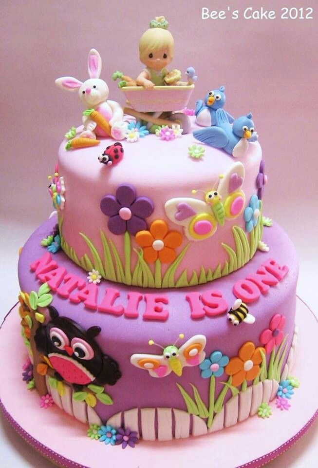 Bunny Love This Cake With Images Baby Birthday Cakes Bee
