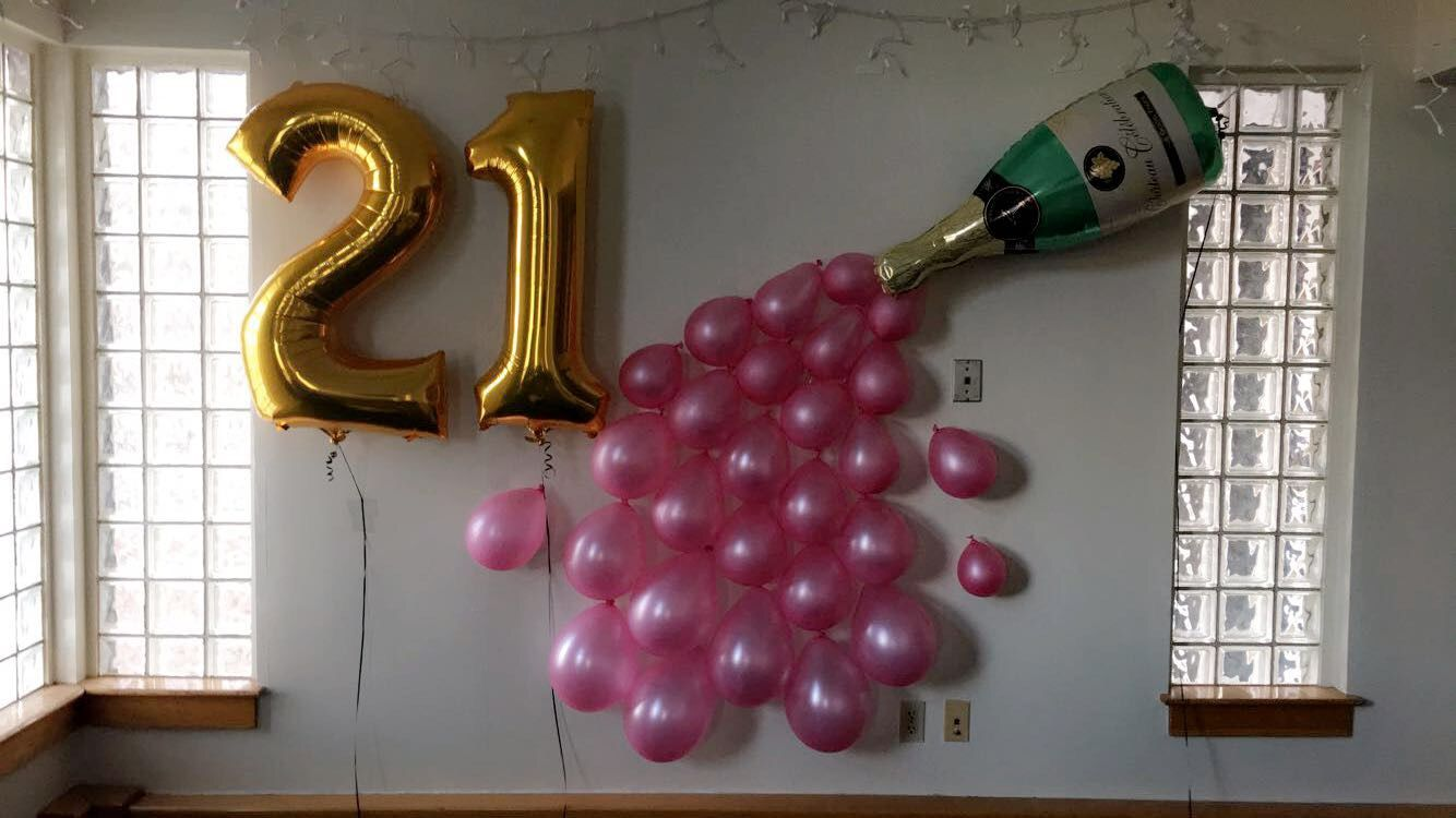 21st Birthday Champagne Spill Balloon Decorations Super Fun Cute Especially For Taking Bday Pics Bought All The Balloons At Party City And Just