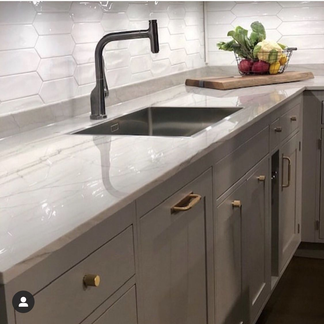 Rocky Tops Custom Countertops Granite Countertop Chattanooga At Rocky Tops Is The Best Choice For Reside In 2020 Kitchen Installation Custom Countertops Kitchen Design