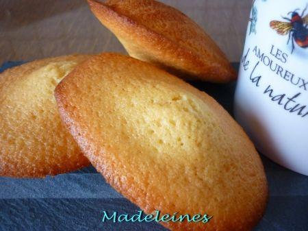 Recette madeleines par Sylvie : Des petites coques moelleuses qui vous rappelleront votre enfance..Ingrédients : vanille