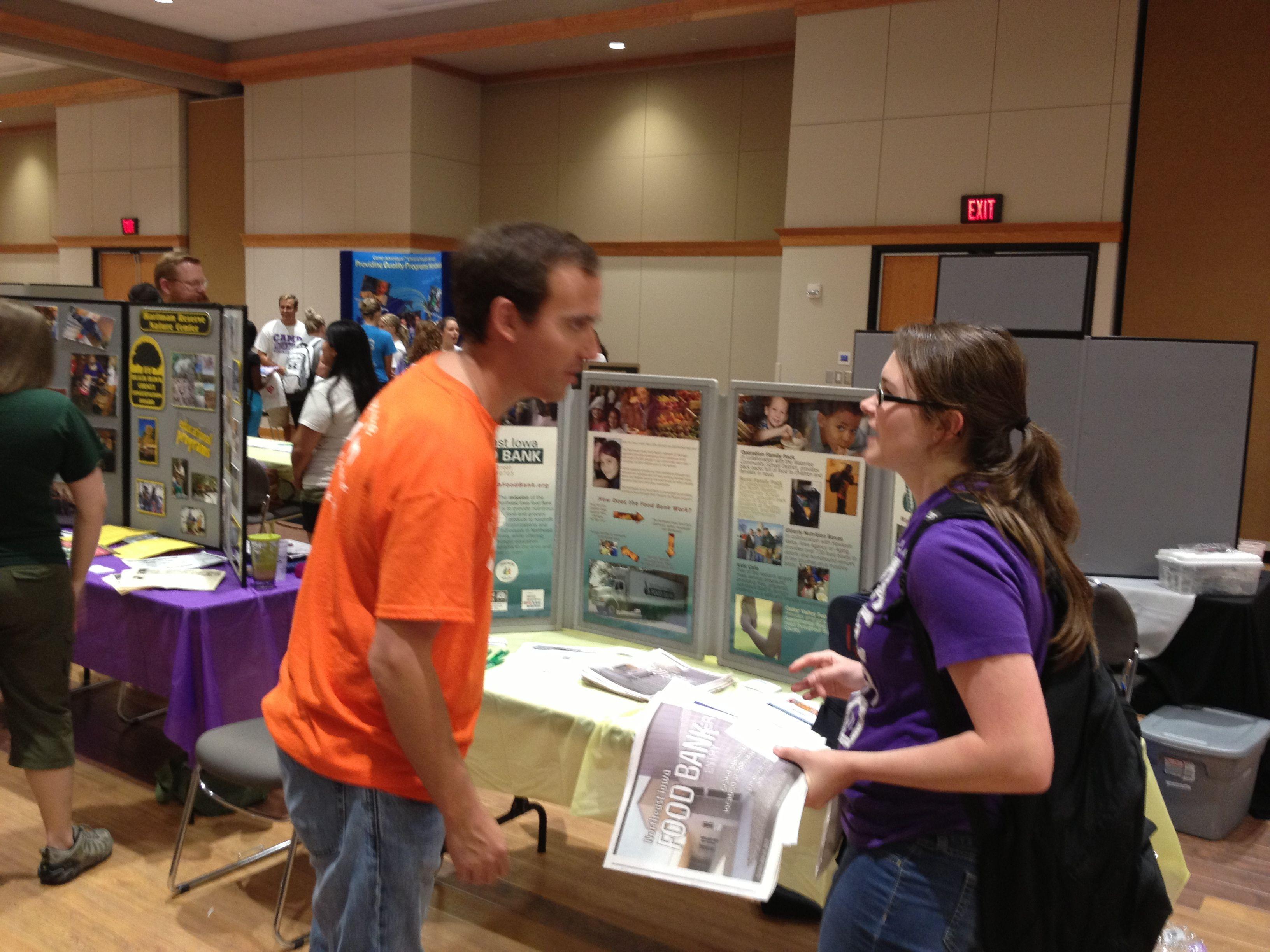 volunteer fair like a job fair but for volunteer opportunities volunteer fair like a job fair but for volunteer opportunities uni volunteers volunteers