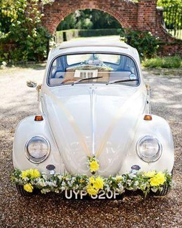 pour un mariage r ussi une jolie voiture vintage des fleurs aux couleurs pastels et le tour. Black Bedroom Furniture Sets. Home Design Ideas