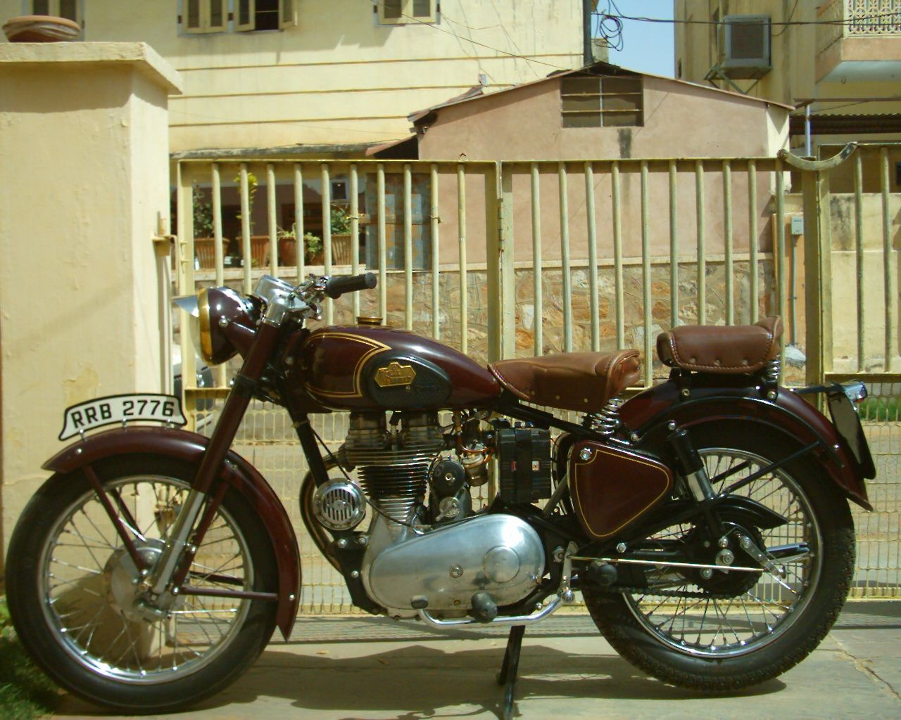 1947 Royal Enfield Model G Royal Enfield Resumed Production Of Civilian Machines During 1946 Announcing A 3 Mode Royal Enfield Classic Bikes Four Stroke Engine