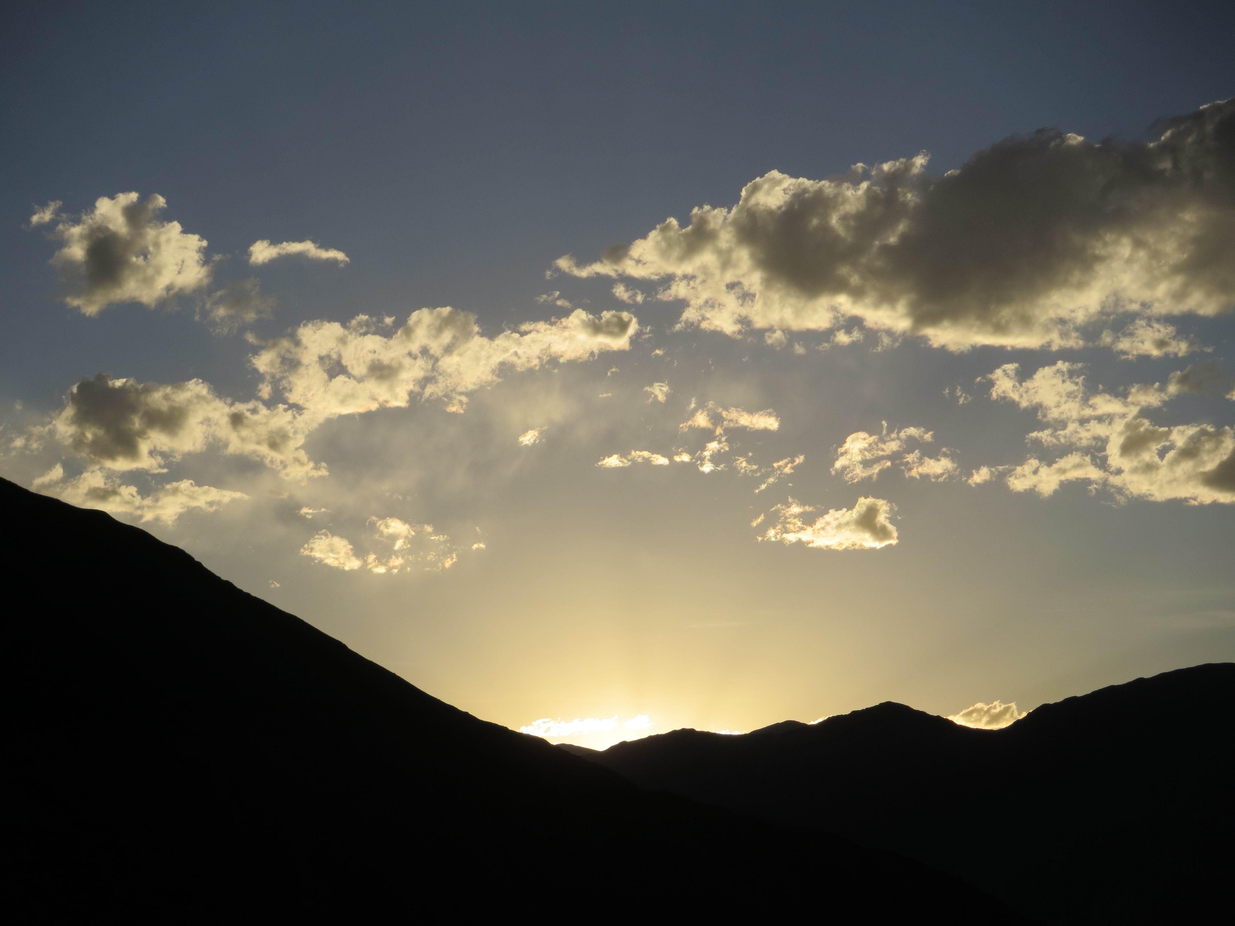西藏 9點的晚霞