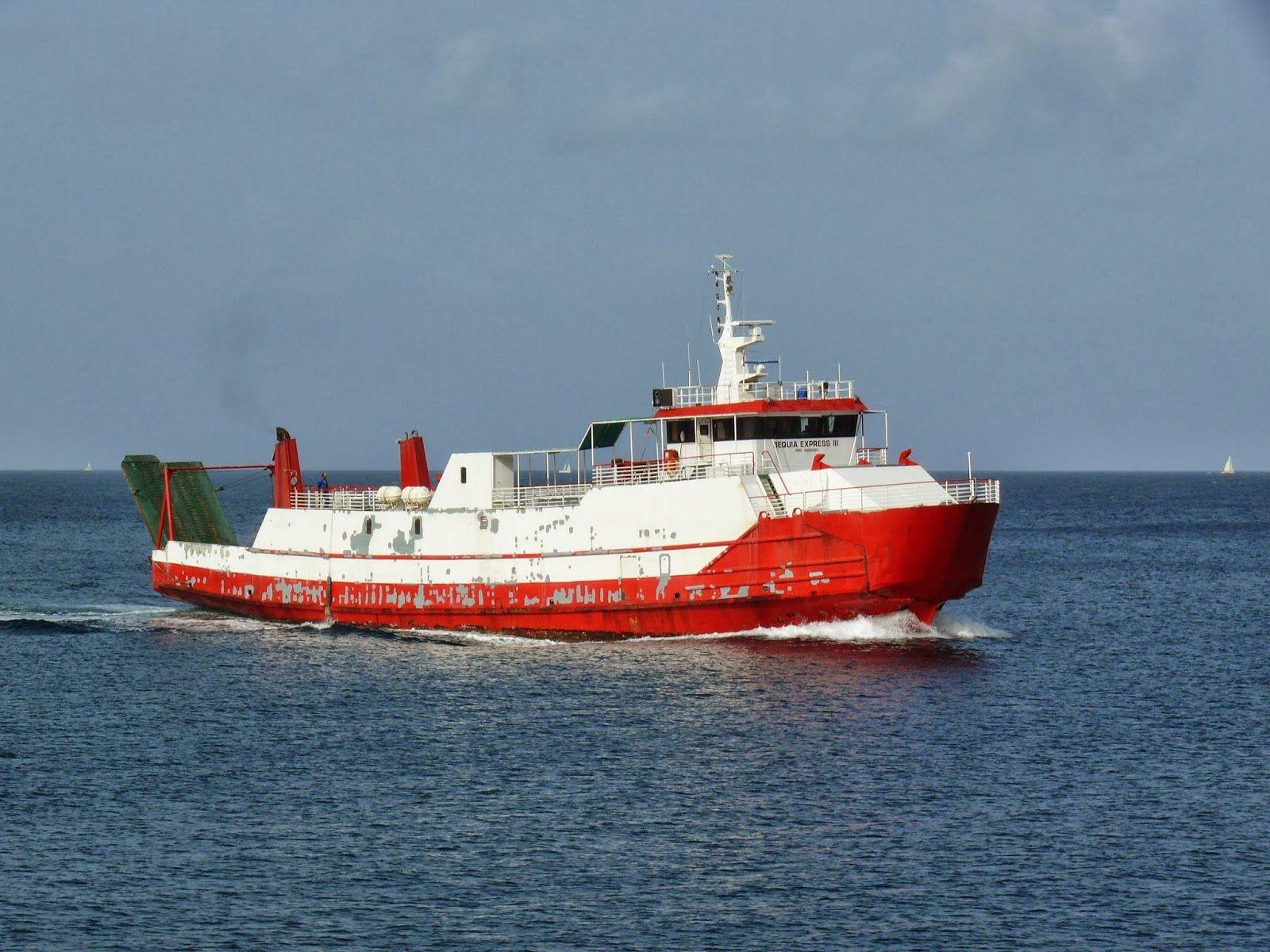 Kingstown Le Ferry Pour L Ile De Bequia Saint Vincent And The Grenadines