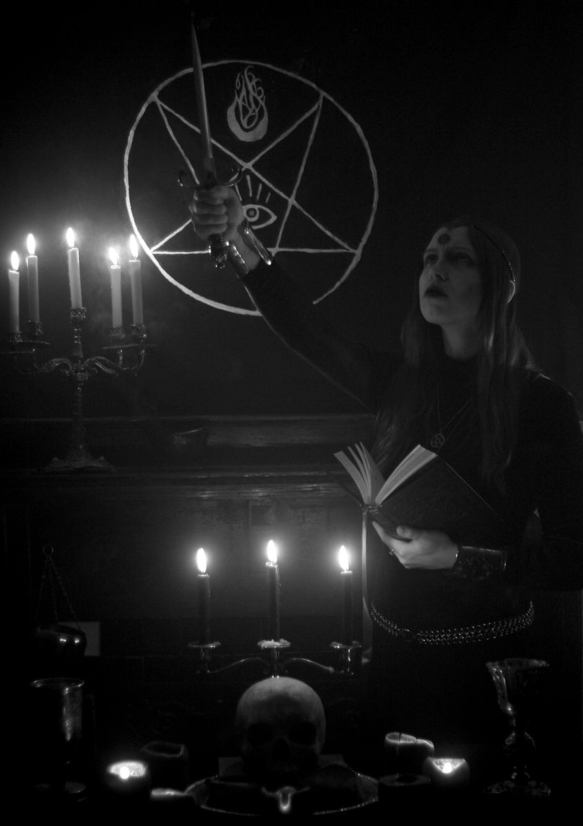 sortilegia image satanic schwarze magie magie und schwarz. Black Bedroom Furniture Sets. Home Design Ideas
