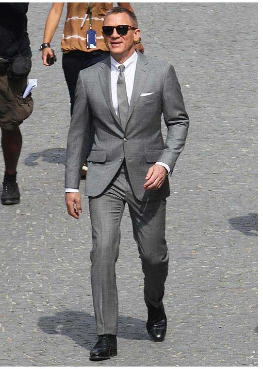 Grey suit. White shirt. Grey tie. I like | Mon Homme | Pinterest ...