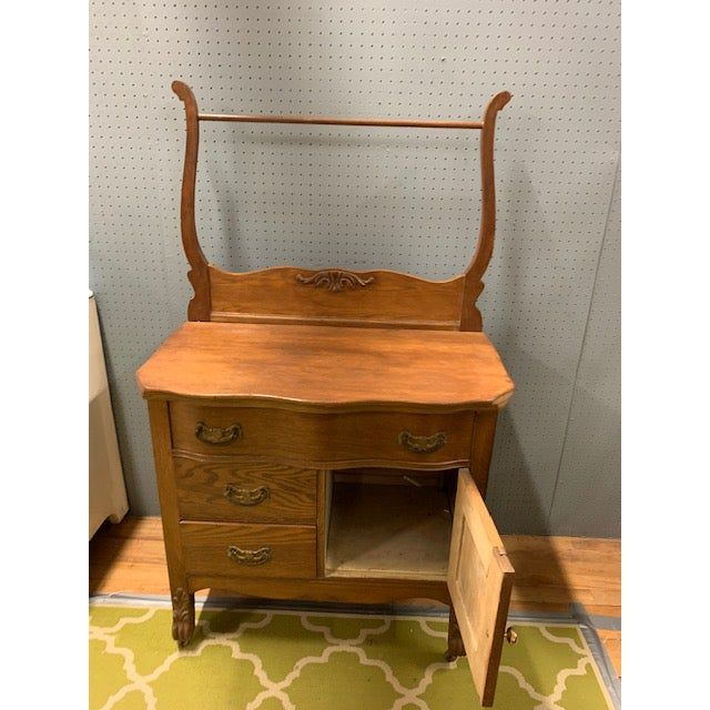 American Furniture Makers 20th Century: 20th Century Early American Oak Washstand