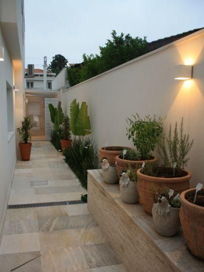 Decoraci n de pasillos exteriores plantas outdoor for Decoracion de jardines y muros exteriores