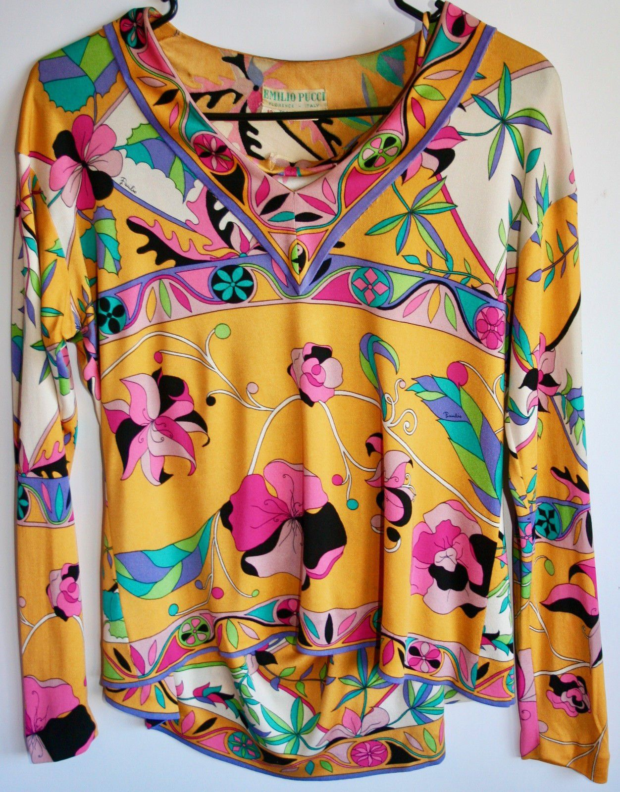 #Trending - Vintage EMILIO PUCCI 1960's Two Piece Silk Blouse and Skirt set https://t.co/R5Etsj0vRI Ebay https://t.co/MhONYxBOn2