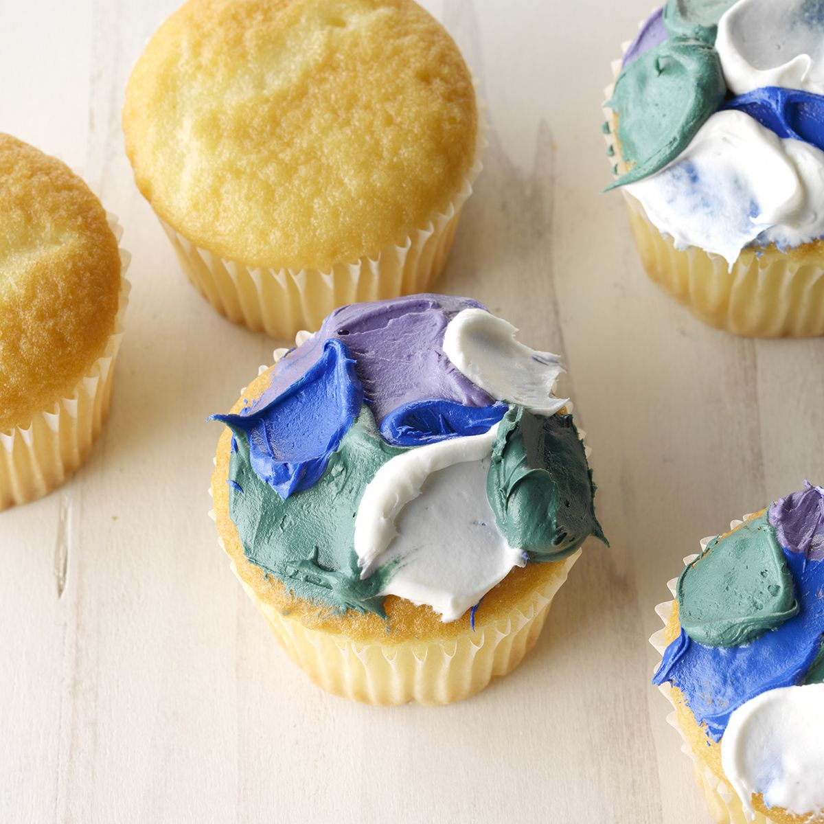 cupcake cake pan decorating ideas