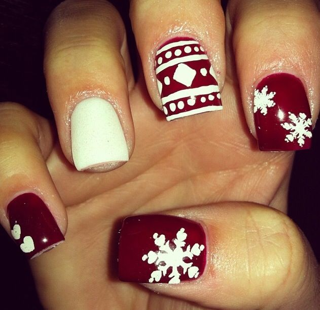 20 awesome holiday nail designs for short nails winter nails 20 awesome holiday nail designs for short nails solutioingenieria Gallery