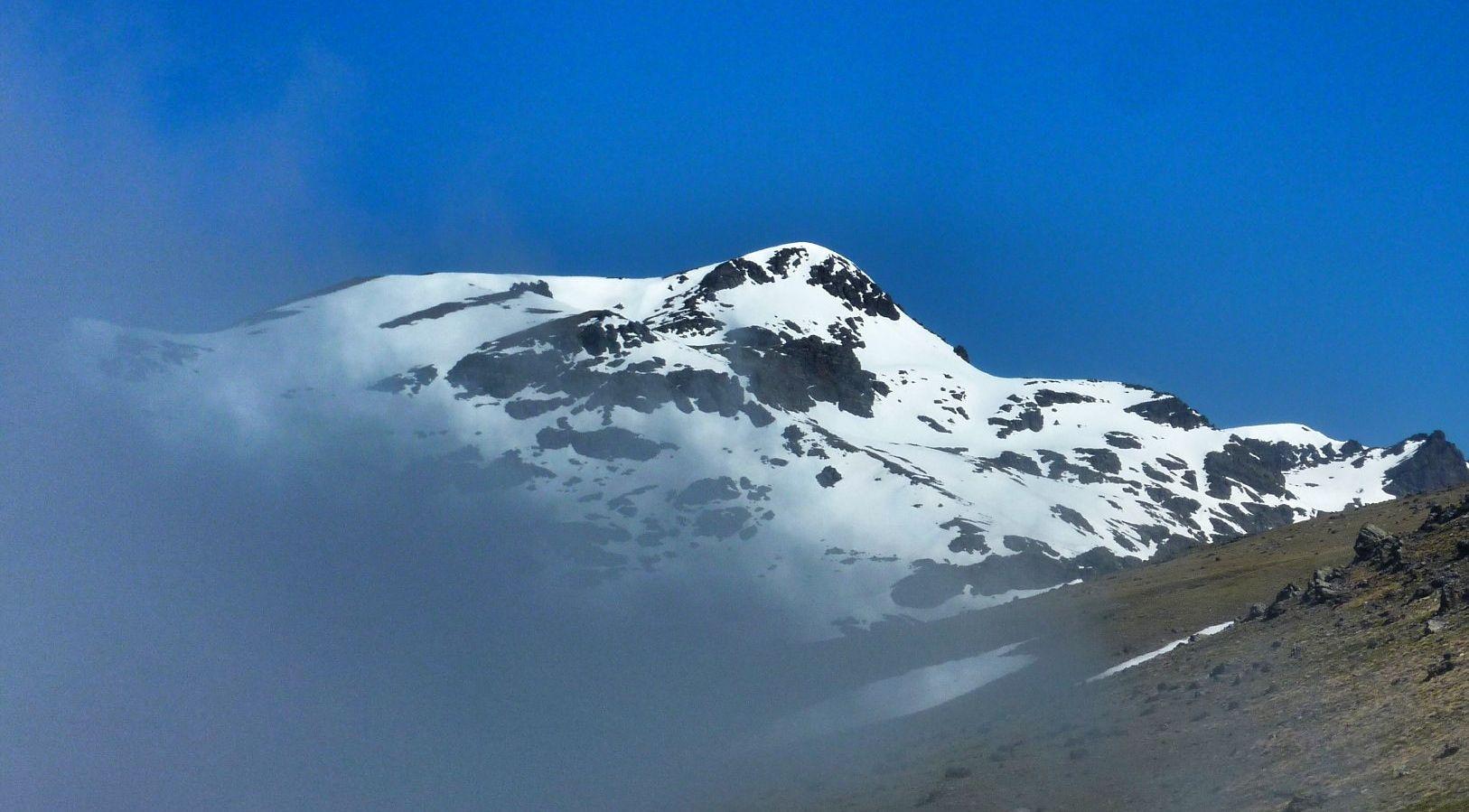 Cara sur del Cerro del Caballo 3011m. Hay personas que quieren cargarse este paraíso #salvemosSierraNevada !!