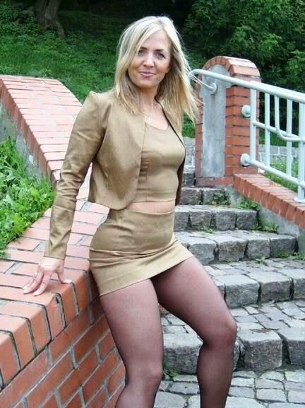 walker milf women Deluxe wifes features free cougar porn galleries of hot milfs and housewifes all galleries are categorized and searchable daily updating cougar, milf, mature.