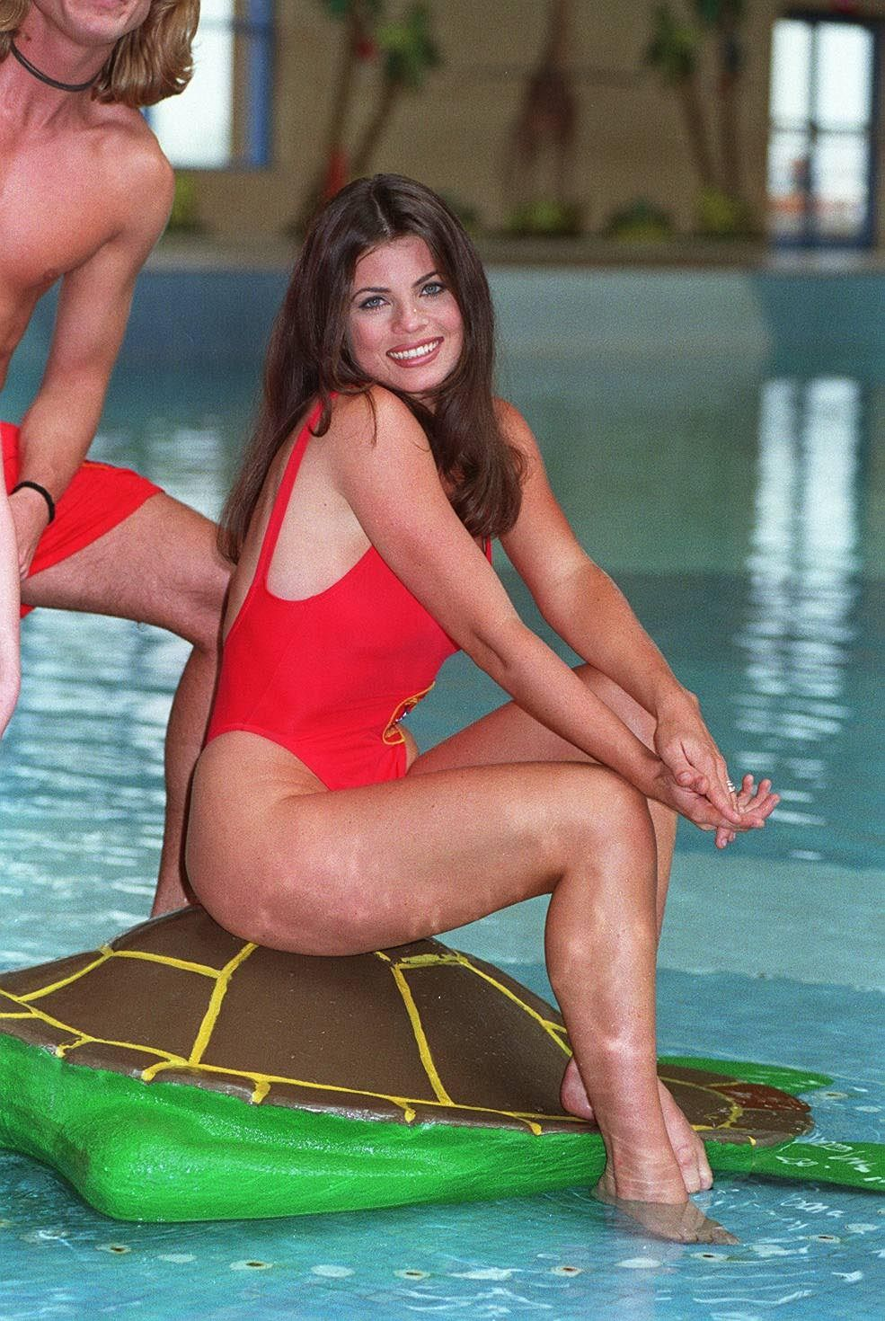 Autographs-original Yasmine Bleeth Actress Caroline In Baywatch Tv Autographed Signed Index Card Selling Well All Over The World Cards & Papers
