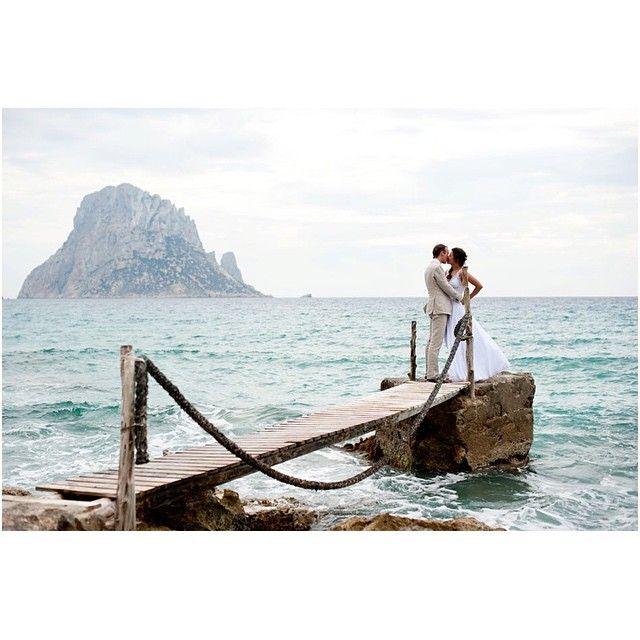 Dreaming of sunny beach weddings already!  Inspired by this wedding by www.bestdayeverevents.nl #wedding #ibiza #destination #ibizawedding #huwelijk #bruiloft #beachwedding #beach